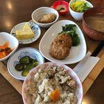 カフェ・アカリ - 料理写真:鶏つくねレンコン定食 500円