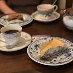 カフェ・ド・パルファン - チーズケーキ、オーガニックバナナパウンド