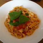 ラポカフェ - 手打ち生パスタトマトソース