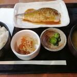焼魚食堂 魚角 - さばの味噌煮定食 680円
