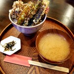 御料理屋&茶房 ベンジィ - 料理写真:天丼 850円