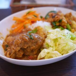 カレーライス ディラン - 料理写真:ハーフ&ハーフ チキン、チキンキーマ