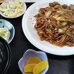 川森食堂 - 亀山名物・みそ焼きうどん。ご飯がすすむ君。
