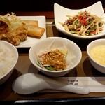 登煌 - 料理写真:牛肉ピーマン定食(1100円税別)