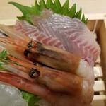 魚力食堂 - イサキの勇姿。