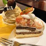 ルピノー - 王道のモンブランと大好きなイチヂクのケーキ♡