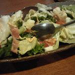 居酒屋 NIJYU-MARU - チーズたっぷりのシーザーサラダ