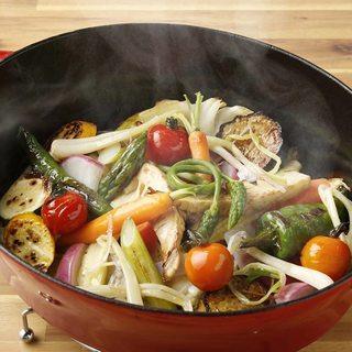 色とりどり、旬野菜のロースト&手打ちパスタをお楽しみください