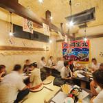 マルカイ札幌水産 - 活気あふれる店内
