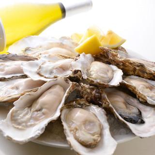 産地直送!全国各地から仕入れる旬の生牡蠣を食べ比べでどうぞ☆