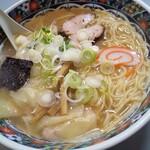 120636952 - ワンタン麺
