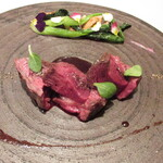 ルセット - 根室の蝦夷鹿のロースト 赤ワインと黒胡椒のソース 紫芋のピューレ