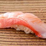 追っかけ鮨 地魚料理 松輪 - 金目鯛の握り
