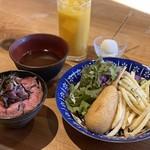 石臼挽き 自家製粉・自家製麺 蕎麦と海鮮 美酒佳肴 酒地肉鱗 -