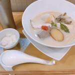 麺や 徳川吉成 - 料理写真:
