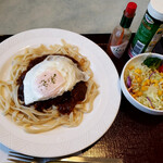 レストラン グリーンパーク - 料理写真:煮込みハンバーグパスタ。目玉焼きトッピング