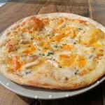 克 - 7種のチーズピザ1500円