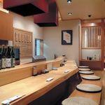 よし久 - 内観写真:揚げたての天ぷら!を是非カウンター席で…