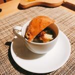120666422 - ズワイガニのスープ