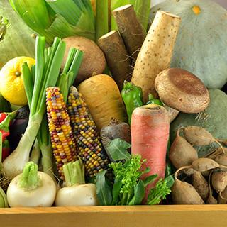 全国各地の珍しい野菜や旬菜の天ぷら。豊かな季節を味わう