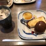 ちずこ - モーニングセット(豆乳きなこアイス)