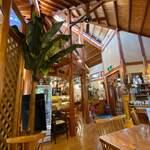 ケニーズハウスカフェ - 店内。