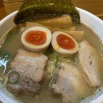 中華そば 華丸 - 味玉そば ¥880(税込)