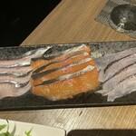 鮮魚ダイニング ポントス - 旬魚のしゃぶしゃぶ 刺身は飽きるので火を通すと、幾らでも食べられる