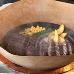 肉山 福岡 - サガリ焼き立て熱々