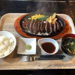 肉山 福岡 - サガリ定食(オープン)