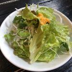 肉山 福岡 - セットのミニサラダ