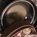 北新地・隠れ家個室居酒屋 匠 - 蒸し器の下には出汁が入っているのがポイント