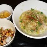 120699851 - 自家製ワンタン麺セット (よだれ鶏丼)