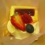 12070093 - レアチーズケーキ380円