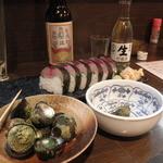 12070483 - 磯物 500円 後ろは甘口の地酒の太平洋 (2011.12)