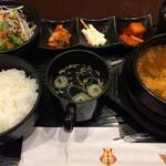 上野焼肉 陽山道 - 「和牛煮込み御膳」! 税込1595円。。