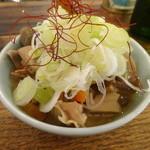 煮込みとお惣菜スタンド ウエトミ - モツ煮込み(小)¥350