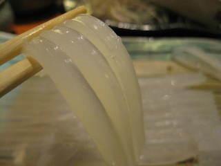 函三郎 町田店 - 生簀のイカをすぐに調理してくださいます