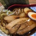 くじら食堂 - 料理写真:特製醤油ラーメン1010円