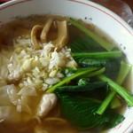 四川料理 江湖 - あっさりとしたワンタン麺。