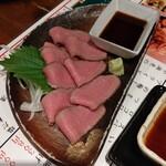 ちゃい九炉 - 牛タン刺身