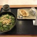 讃岐製麺 - 料理写真:かけうどん 並 鮭わかめおにぎり れんこん天 鶏天待ち