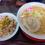 中村屋 蔵 - 料理写真:朝ラー&チャー丼(700円)