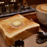 フェブラリーカフェ - 【朝パンセット@660円】バタートースト