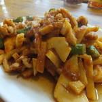 リトルバンコク - とり肉と竹の子の辛子炒め