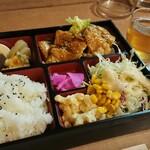 ひまわり - 料理写真:日替り弁当 豚肉のタレ焼き 600円