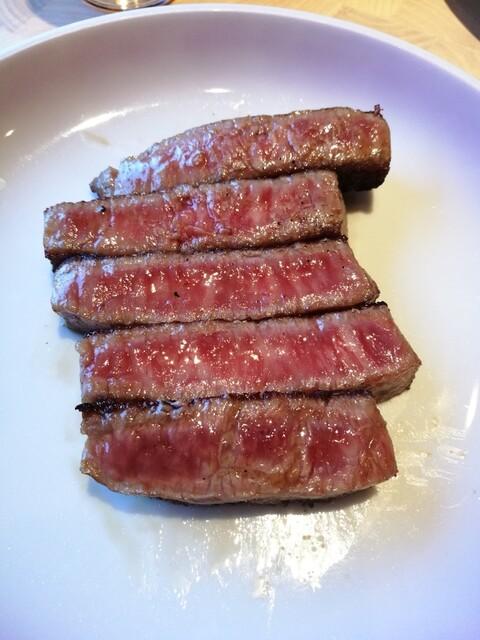 大昌園 佐賀兵庫店 - 佐賀牛シャトーブリアン 四面焼かない事 これは2面焼いて余熱で火通し中