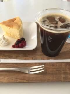 ココ・カフェ - 鹿島セントラルホテル特製チーズケーキ・アイスコーヒー