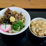大吉 - 肉ぶっかけ冷と、炊き込みご飯