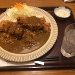 かつふじ亭 - 料理写真:メガカツカレー 1280円+10%